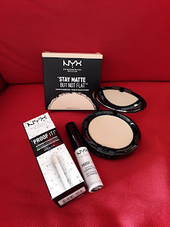 NYX Professional Makeup  Stay Matte But Not Flat powder foundation Proof it! eyeshadow primer