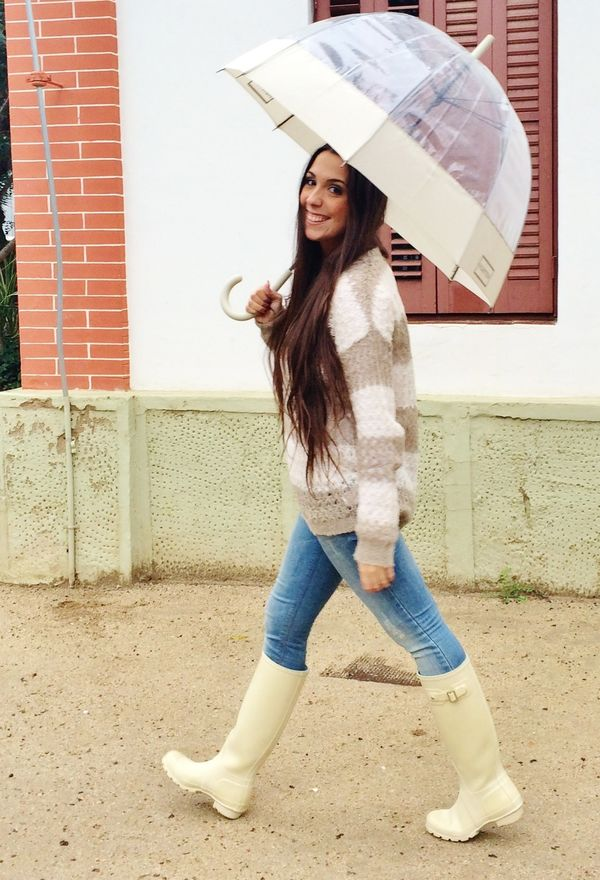977841e6a1 Outfits con botas de temporada para mujeres