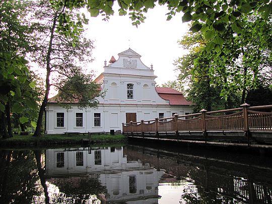Kościół św. Jana Nepomucena.