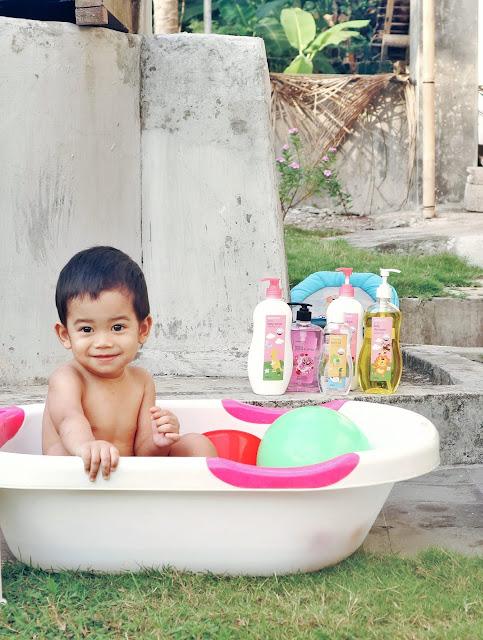 Memandikan Bayi Ternyata Dapat Menstimulasi Otak