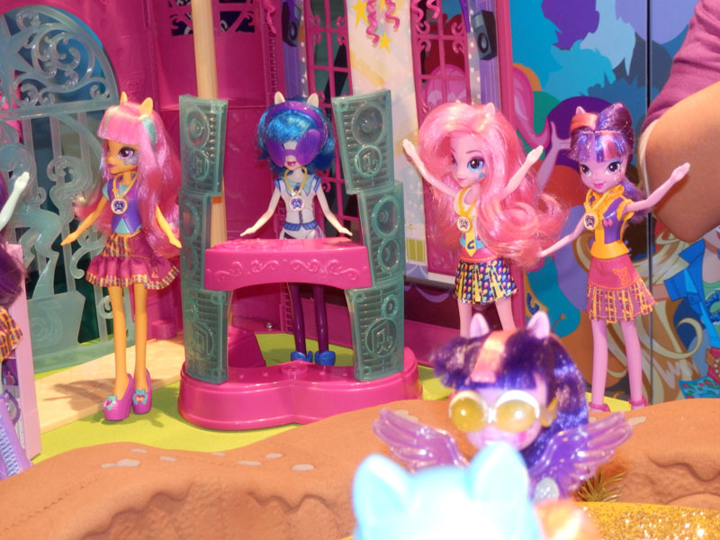 Equestria Girls Canterlot High Playset at NY Toy Fair 2015