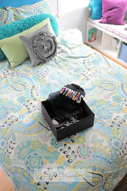 I LOVE these SKUBB organizers - they are perfect for getting clothes organized the night before :: OrganizingMadeFun.com