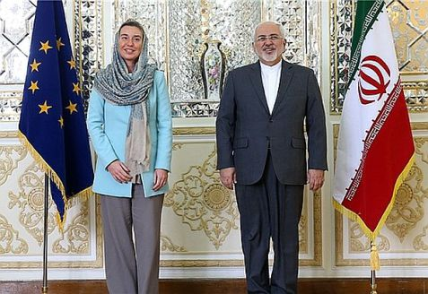 La directora de política exterior de la UE Federica Mogherini y el canciller de Irán, Mohammad Javad Zarif