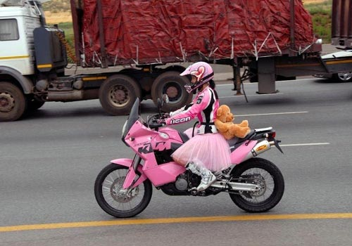 Curiosidades sobre Motos-http://3.bp.blogspot.com/-krLu7zD1czI/USkIAQeKQSI/AAAAAAAAAU4/VCWInQDB2Mc/s1600/pink-ktm-motorcycle.jpg