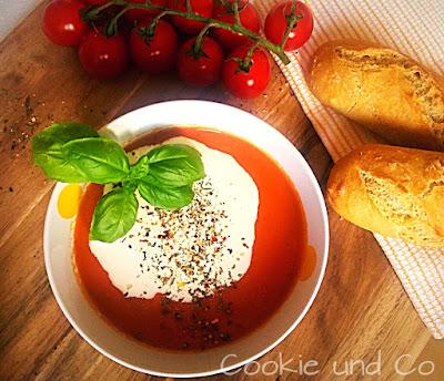 Mediterrane Tomatensuppe