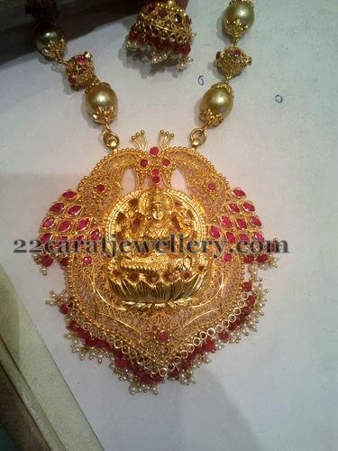 Antique Lakshmi Delicate Locket Jewellery Designs
