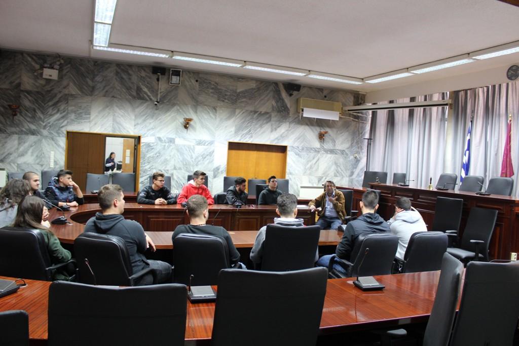 Με μαθητές του 13ου Λυκειου συναντήθηκε ο Αν. Δήμαρχος Λάρισας Γ. Σούλτης (ΦΩΤΟ)