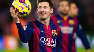 Lionel Messi agrees 4-year contract extension worth £500k per week