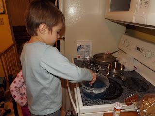 making blue jello