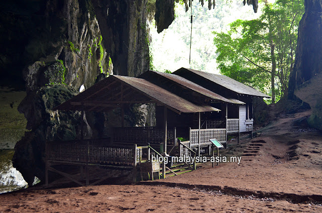Tom Harrisson House at Niah Cave