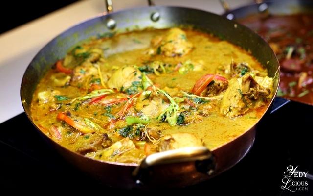 Chicken Curry, Indian Food Buffet at HYATT COD Manila