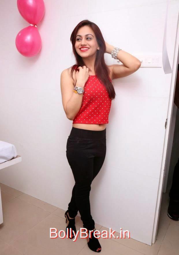 High Quality Aksha Pics, Hot HD Images of Aksha from First Naturals W Salon Launch