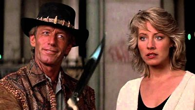 Paul Hogan and Linda Kozlowski in the knife scene
