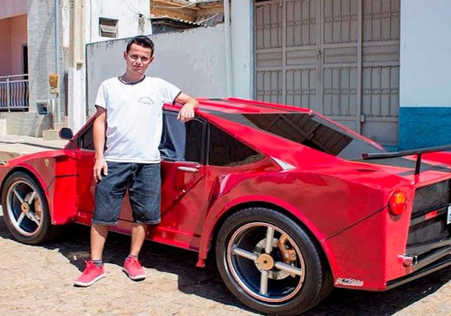 Ferrari com sucata