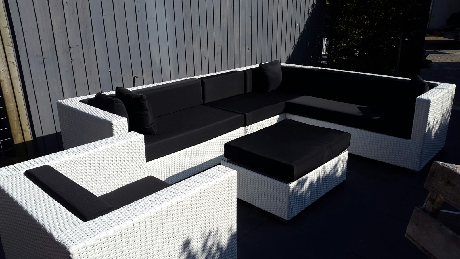 loungeset balkon klein simple bij kwantum slaag je altijd voor je tuin of balkon hier vind je. Black Bedroom Furniture Sets. Home Design Ideas