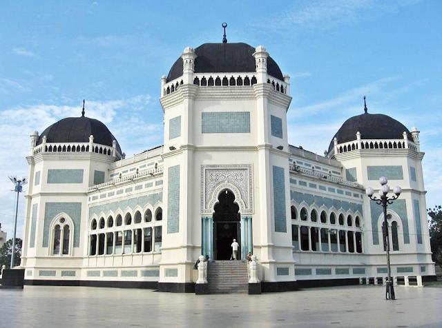 Destinasi Wisata Masjid Raya Medan