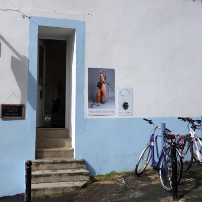 Atelier-boutique de la bijoutière contemporaine Marine Cauvin à Belle-Ile