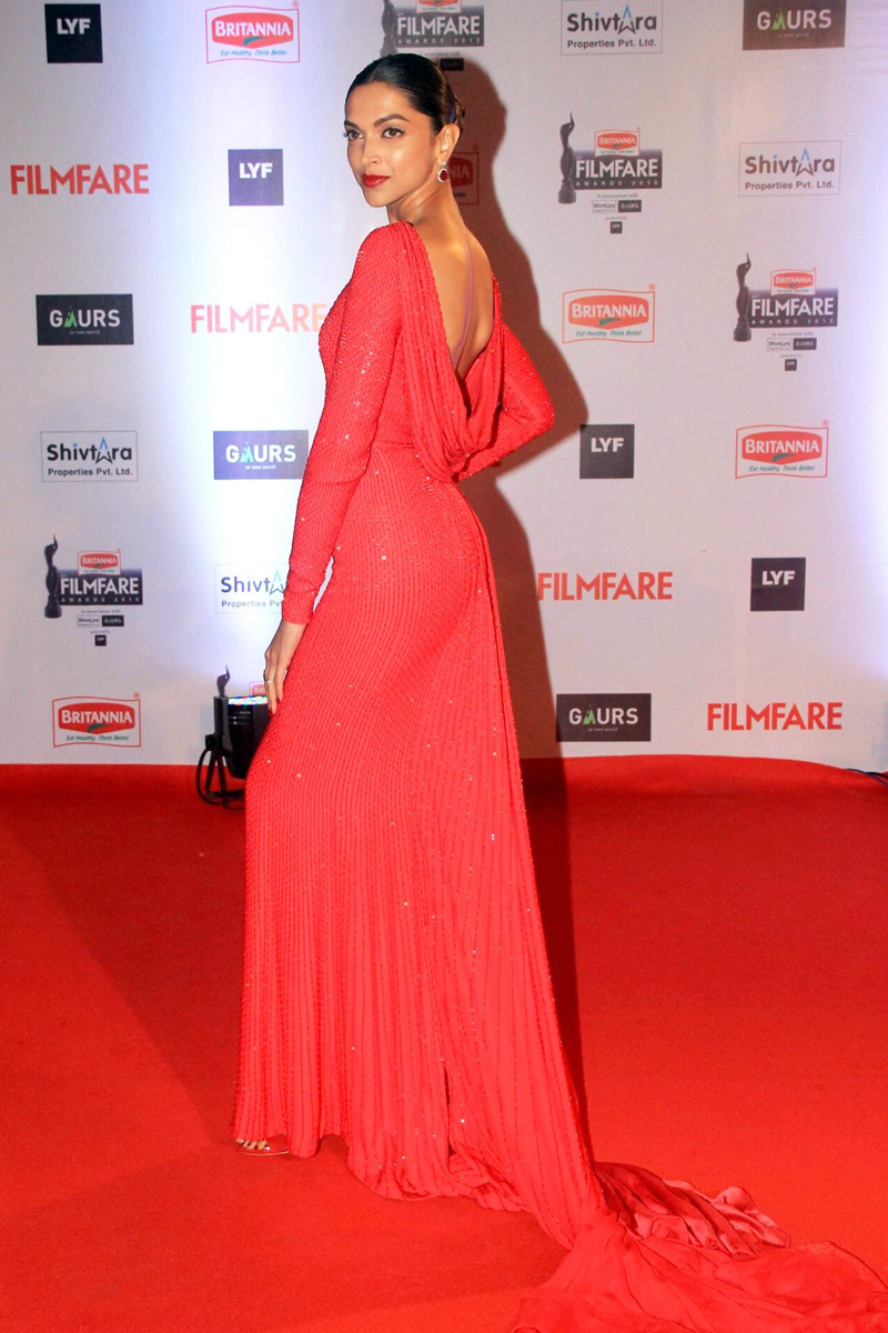 Deepika Padukone Latest Photos at Filmfare Awards 2016