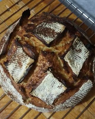 20151211 175342 1 - Güzel Bir Hediye İle Ekşi Mayalı Ekmek Yapmak..