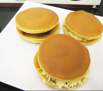 Resep Kue Dorayaki Doraemon Sederhana Isi Keju Lembut