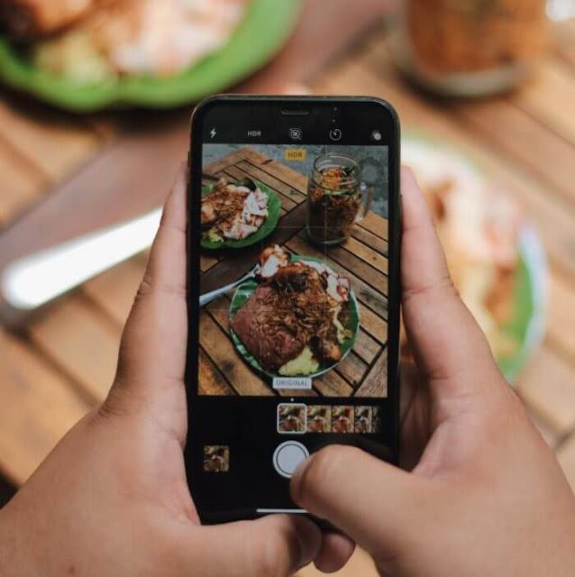 Có thể thấy, xôi trong ẩm thực Việt là thức quà gắn bó sâu sắc với tinh thần người Việt Nam. Xôi đồng hành cùng thế hệ người Việt từ lúc còn bé loắt choắt cho đến khi trưởng thành và già đi. Đây là món ăn mà mọi thế hệ, mọi tầng lớp con người Việt Nam đều yêu quý.