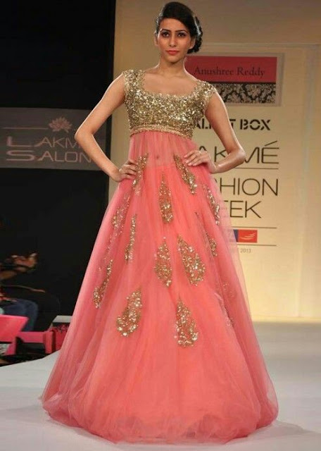 21 Trendy Indian Engagement Outfit Ideas || What to Wear for your ...