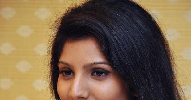 Actress Joshna Fernando HD Images