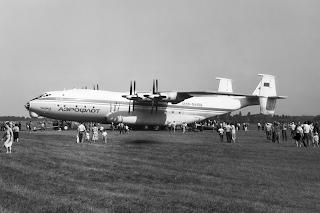 Il prototipo dell'Antonov 22, fotografato nel 1991 daOleg Belyakov.