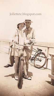 Lillie Killeen and boyfriend 1944  https://jollettetc.blogspot.com