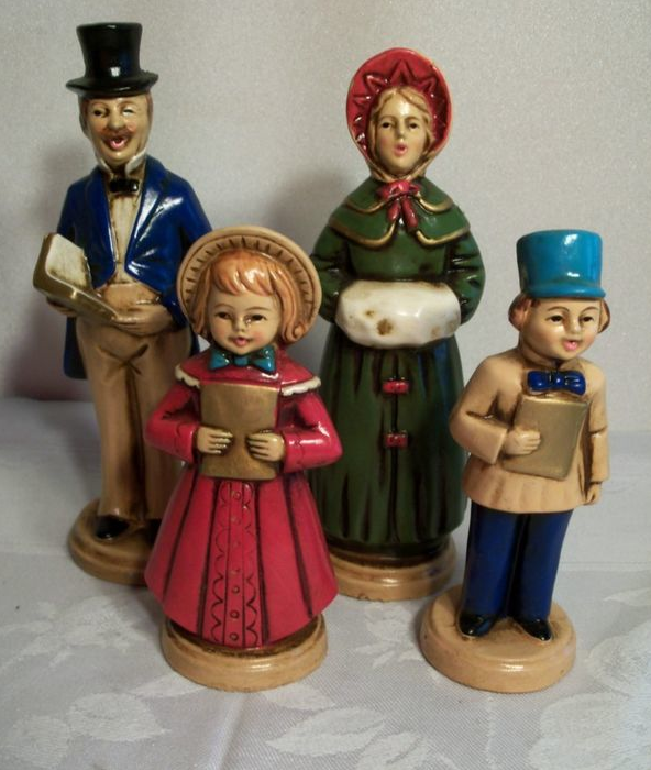 Christmas Caroling Family Set Of 4: Gone Thrifting: Paper Mache Christmas Decorations
