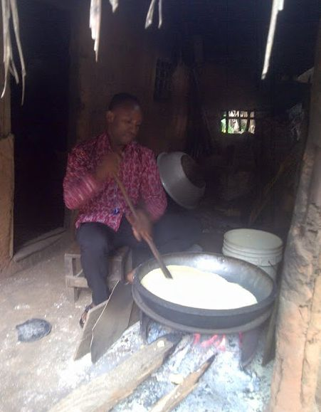MAN CRIES OUT – APC CHANGE IS SUICIDE, SEE WHAT BUHARI GOVERNMENT HAS TURNED ME INTO (PHOTOS)