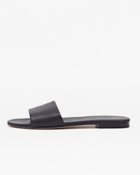 https://nisolo.com/products/isla-slide-sandal-noir