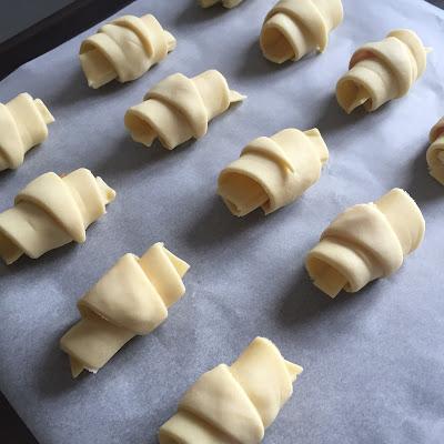 Mini-croissants saumon/boursin avant cuisson