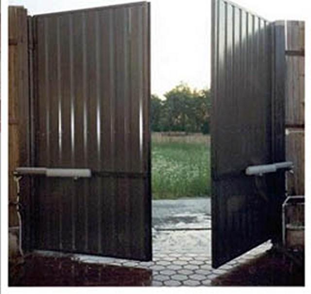Распашные гаражные ворота цена