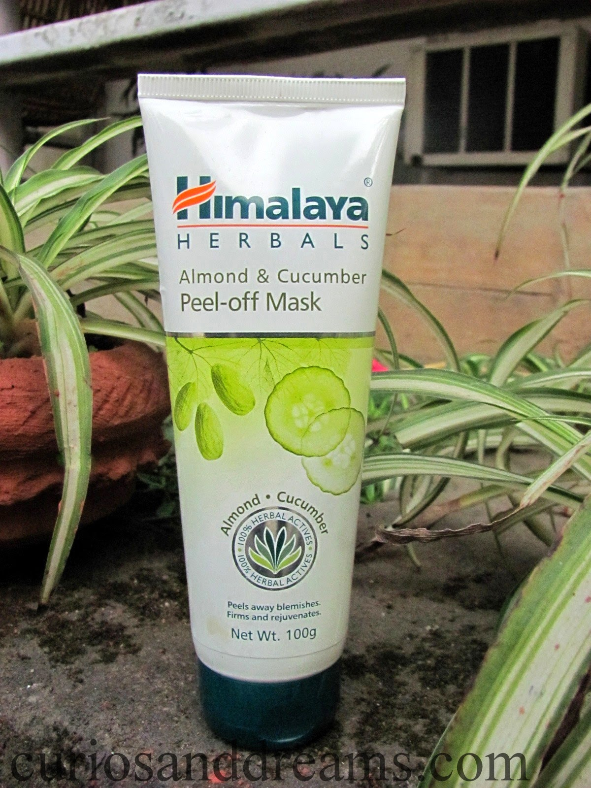 Himalaya Almond and Cucumber Peel-Off Mask review