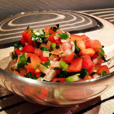 PICO DE GALLO (Con nachos y queso fundido) Gastronomía mexicana
