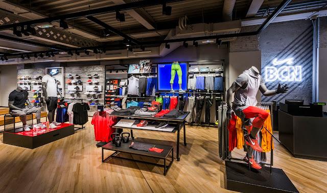 Una comunidad de vecinos para los pies a Nike y al Barça