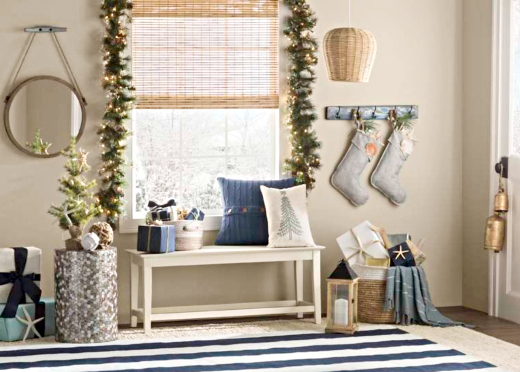 Coastal Christmas Entryway Foyer Decor Idea