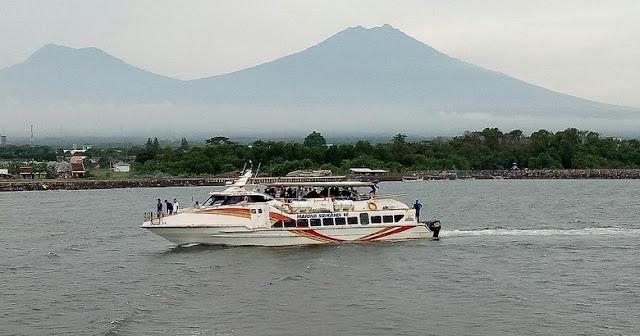 Kapal Marina Srikandi rute Banyuwangi-Kedonganan Bali.