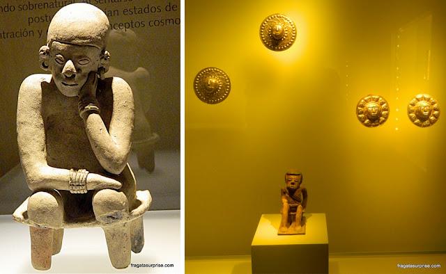 """""""O Pensador"""", peça pré-colombiana, e adornos da cultura Nariño, Museu do Ouro de Bogotá"""