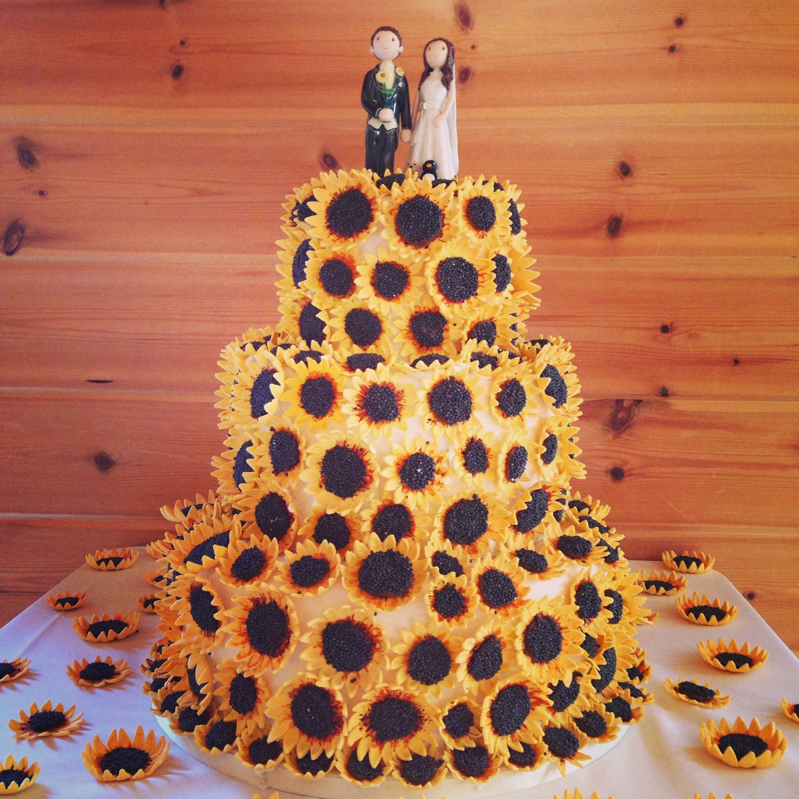 Sunflower Wedding Cake Ideas: The 14 Best Sunflower Wedding Cake Ideas And Inspiration
