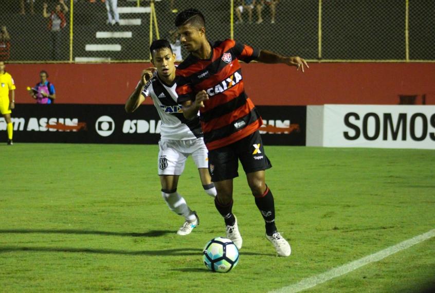 Empresário aponta lateral-direito do Vitória na mira do São Paulo 1