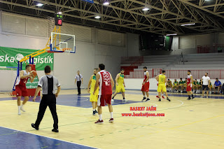 Victoria del CAB Linares ante el Jaén CB en la previa de la Copa Delegación Masculina