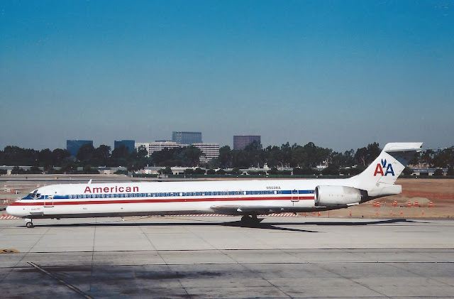 McDonnell Douglas MD-90 | American Airlines (N903RA)
