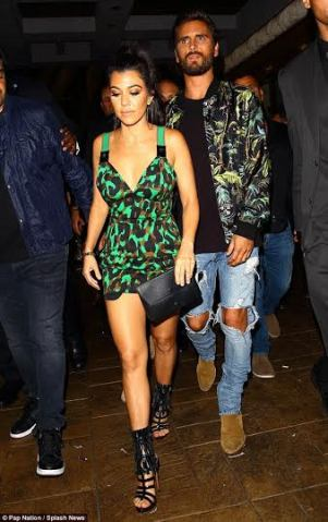 Photographs: Kourtney and Scott Disick rejoin to proceed with the festival of his birthday in Las Vegas
