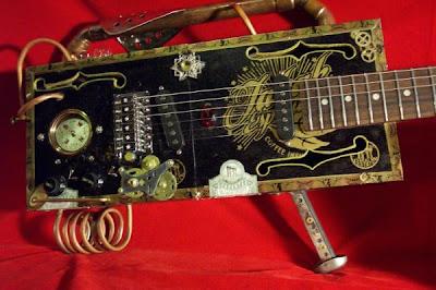 Guitarra steampunk muy creativa