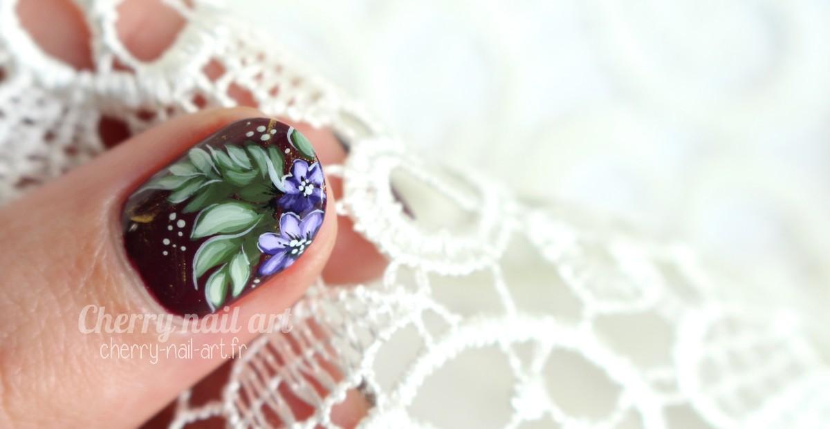 nail-art-zhostovo-fleurs-feuilles-scarabée