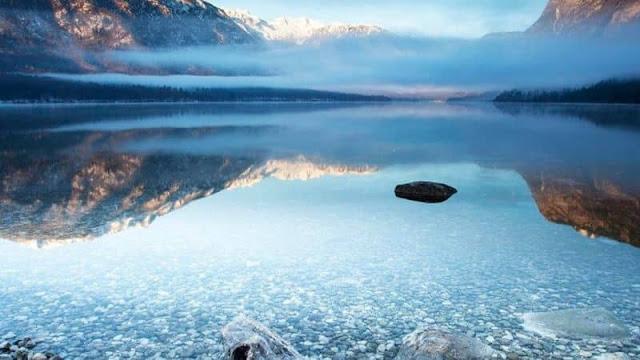 Có một hồ nước ở nơi tận cùng thế giới