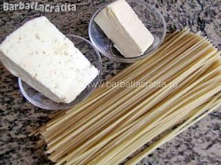 Macaroane cu branza - toate ingredientele necesare prepararii retetei