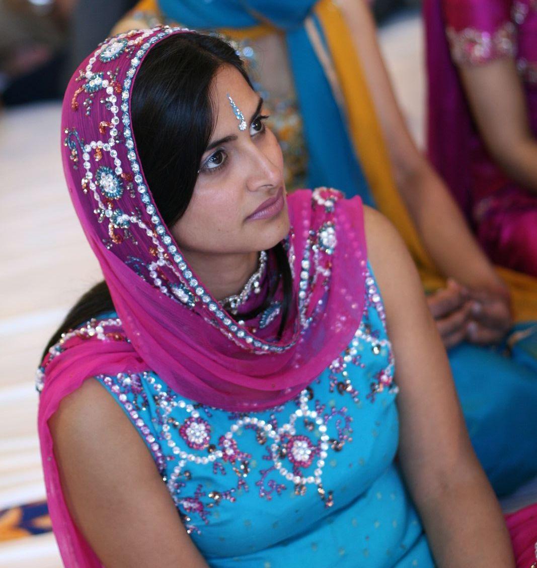 Young Desi Teen Girls Gallery 2 - Beautiful Indian Desi Girls-7724